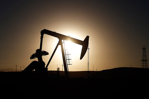 Дешевеющая нефть