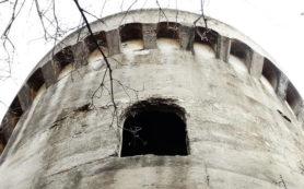 здание старинной водонапорной башни