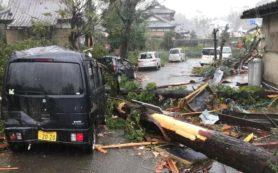 на Токио должен обрушиться тайфун